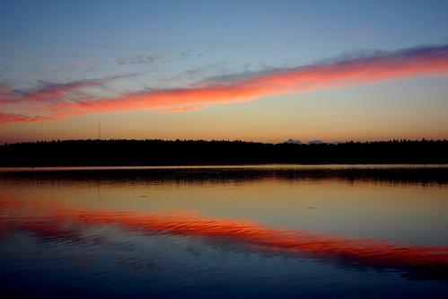 sakarip kivijärvi luumäki pahainlahti cloud lake reflection finland summer serene evening color colours water glow