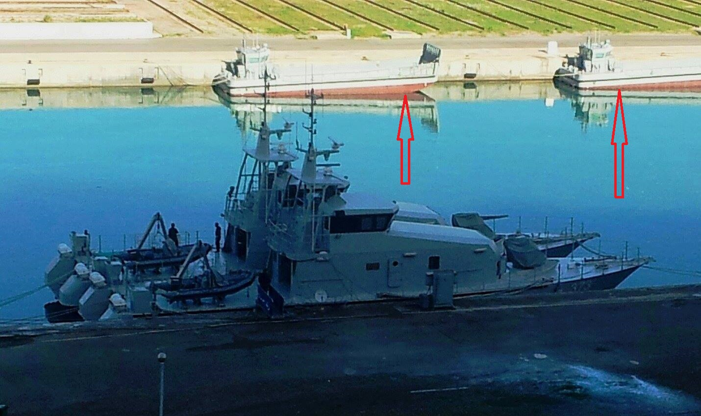 الجزائر تبني محليا 3 سفن LCM نسخة ايطالية بحمولة 30 طن  - صفحة 2 28474963915_4c72a403b0_o