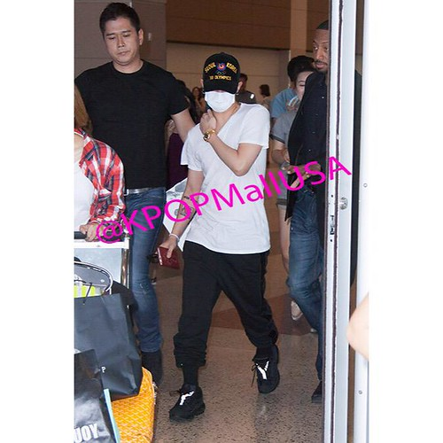 Big Bang - Las Vegas Airport - 30sep2015 - kpopmallusa - 02