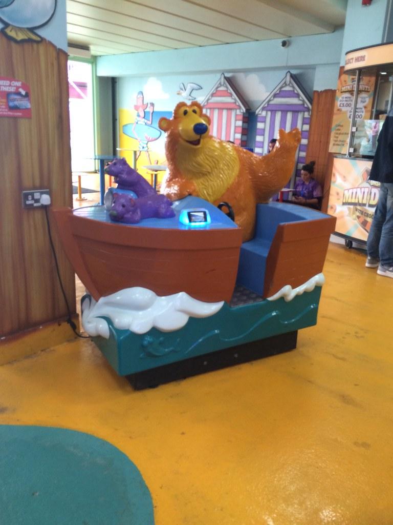 southend on sea adventure island bear in the big blue house ride