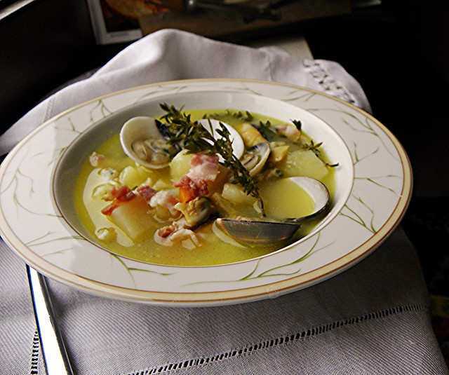 zuppa di vongole patate pancetta al timo (1)