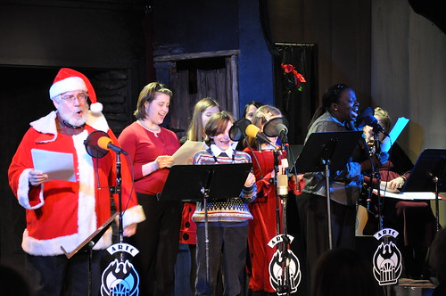 Kris Kringle, Jayne Lockhart, Laurice White, and the Children's Ensemble.