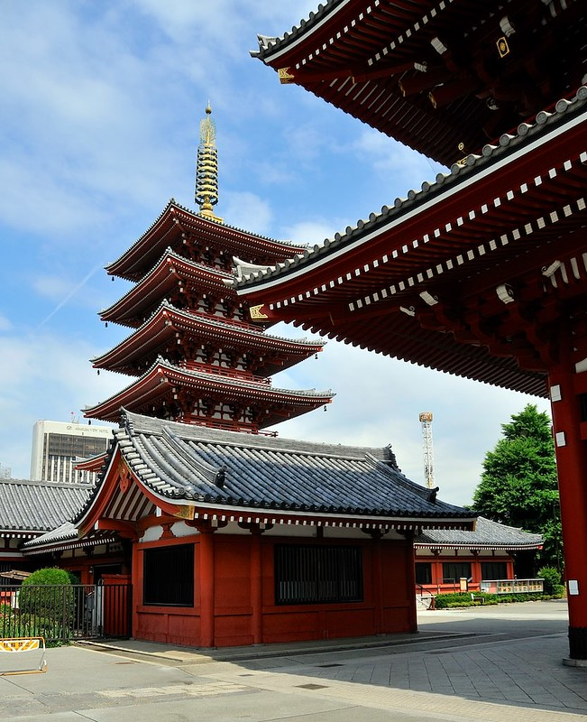 Five story pagoda with sensoji