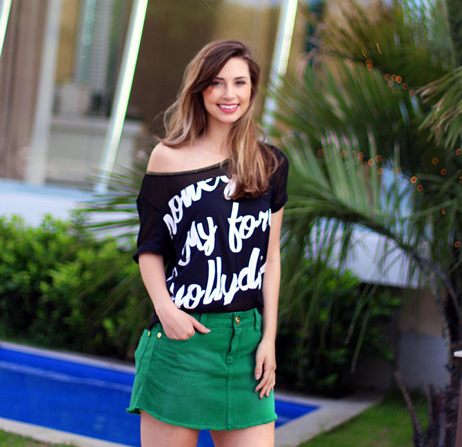 06-look saia jeans verde e blusa preta naguchi blog sempre glamour