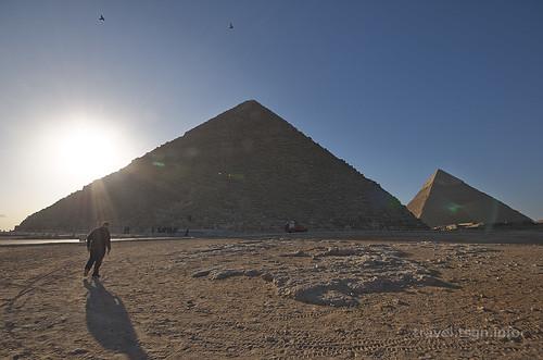 【写真】世界一周 : 三大ピラミッド(近景)