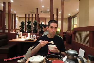 CIMG1248 Cenando en el Yayoiken, cerca del Riokan (Fukuoka) 13-07-2010 copia