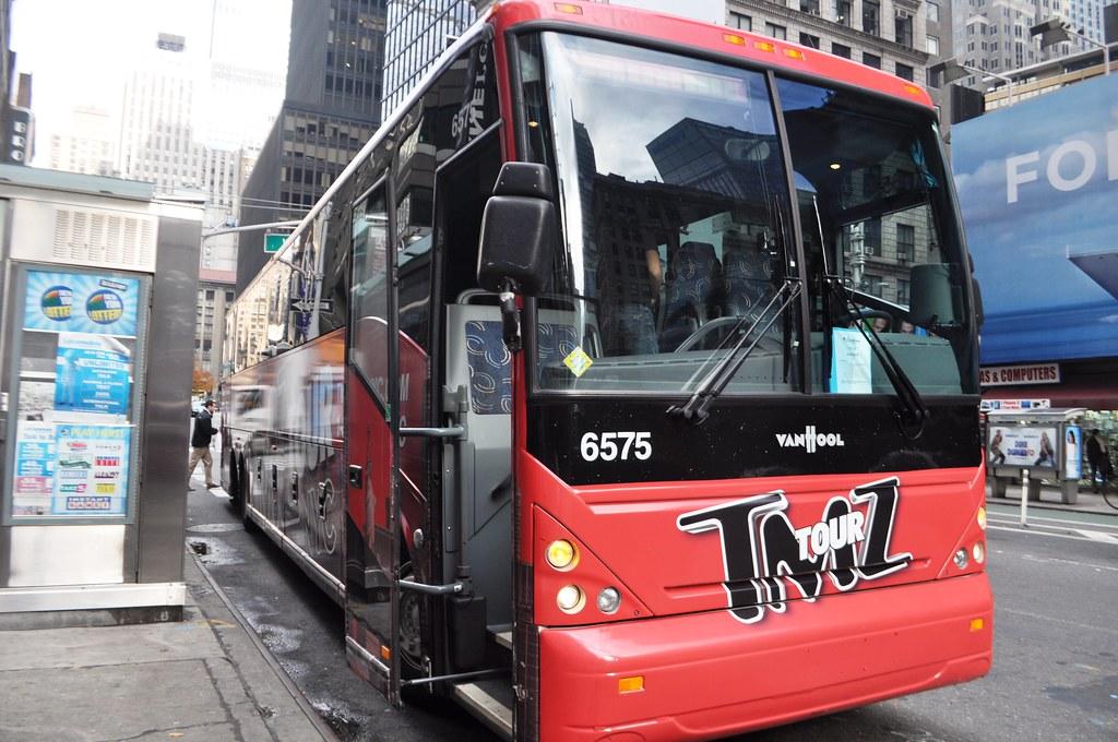 The Bus! On Location Tours: TMZ Tour NYC, New York, Nov. 2014