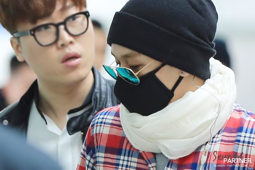 Big Bang - Incheon Airport - 01apr2015 - Seung Ri - Partnervi - 05