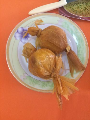 Tupiza: des tamales (boulettes de maïs un peu épicée fourrée à la viande)