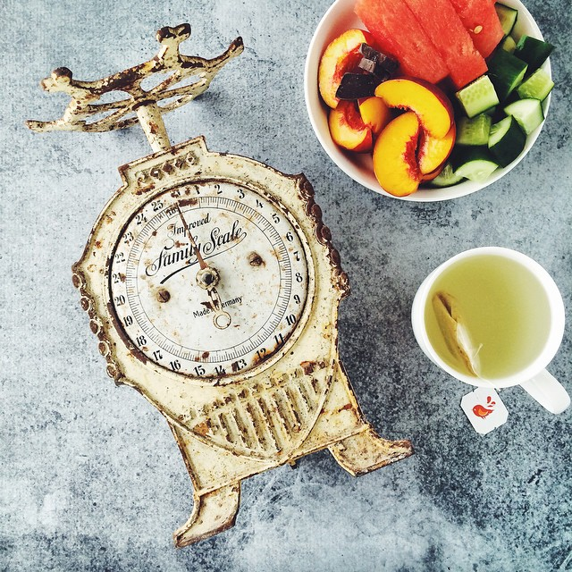 Watermelon, peach, cucumber, a few squares of dark chocolate and ginger tea... But more importantly a gorgeous old scale spotted at a friend's building site. RJ was not amused when aforementioned friend told me to take it ???????? • #eatfoodphotos