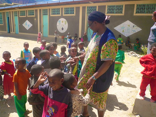 Justina Ihechere SSL with the kindergarten kids