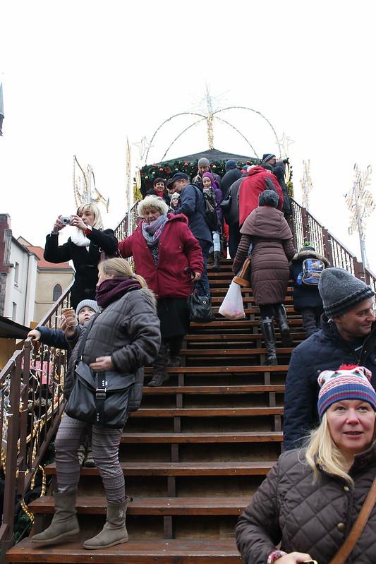 Crowded footbridge overlooking the Christmas Market 2014 in Prague, Staroměstské náměstí
