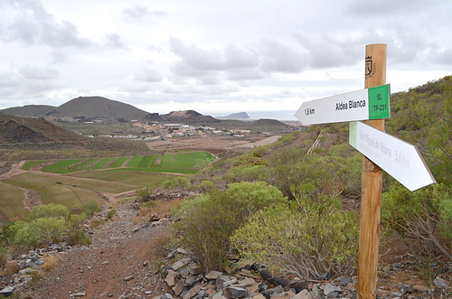 Tenerife walking route waymarks