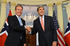 U.S. Secretary of State John Kerry shakes hands with Norwegian Foreign Minister Borge Brende after the counterparts addressed reporters at the U.S. Department of State in Washington, D.C., on February 26, 2015. [State Department photo/ Public Domain]