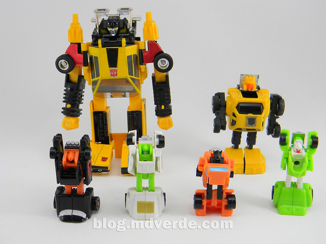 Transformers Micromaster Hot Rod Patrol (Big Daddy, Trip Up, Greaser, Hubs) - Transformers G1 Micromasters - modo robot vs Sunstreaker vs Hubcap