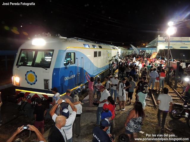 Primer servicio oficial del tren 565 - 566