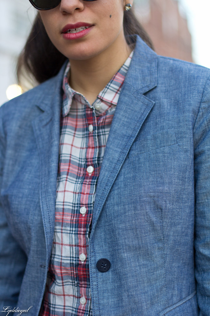 chambray blazer, plaid shirt, red pumps-1.jpg