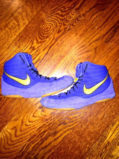 Gimme some offers on these sz 9 legits otw 💙💙