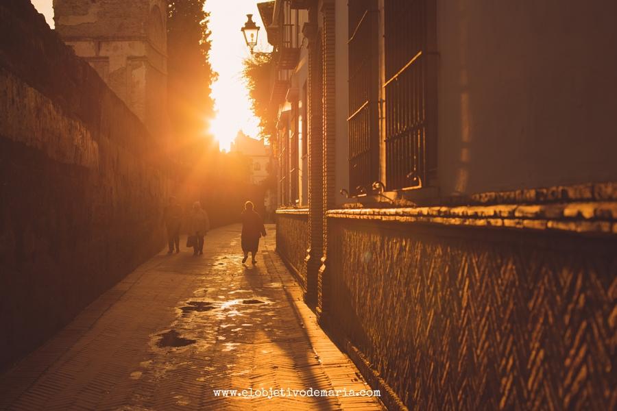 calle del agua al atardecer, Sevilla