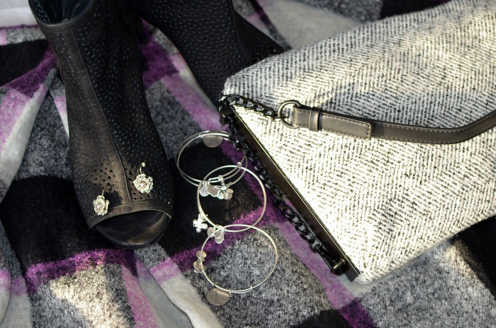 Fabulous-30s-midi-skirt-moto-jacket-curvy-fashion-blogger-plus-size-outfit-ideas