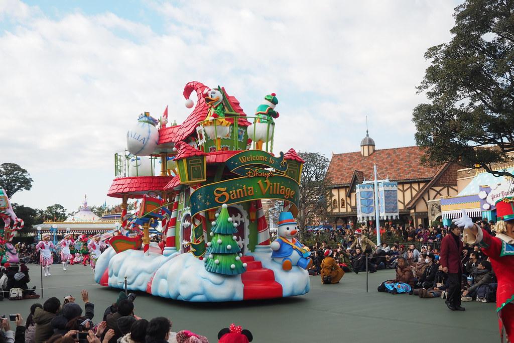 Tokyo Disney Christmas Parade