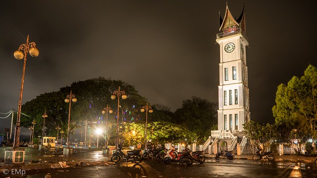 Jam Gadang at nite