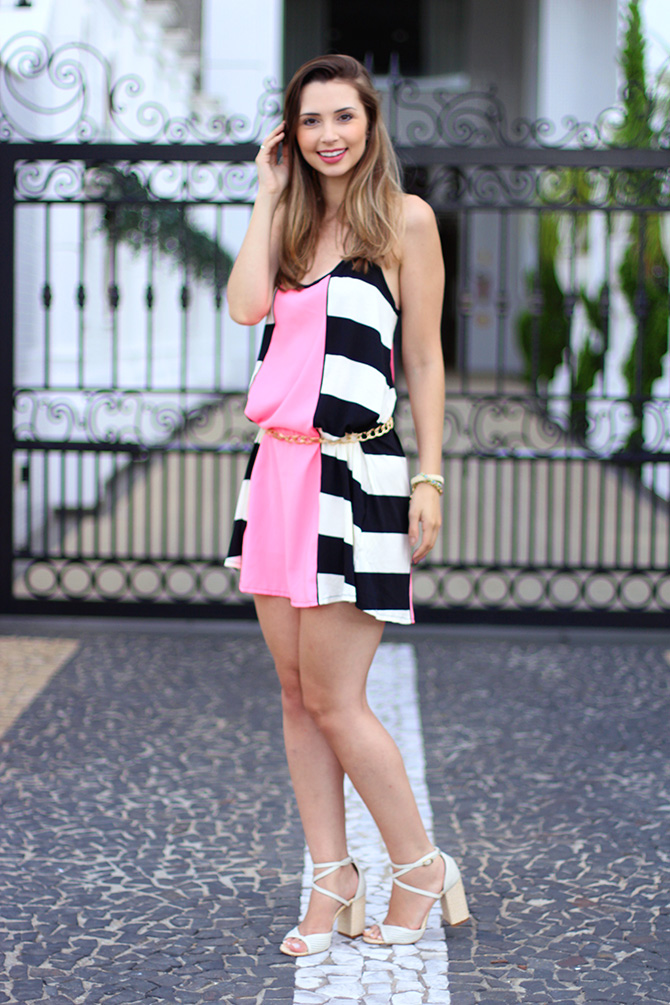 02-look do dia vestido rosa com listras sly wear