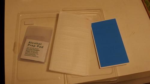 ของที่มาพร้อมกับกล่อง HISHIELD Tempered Glass Blue Light Cut