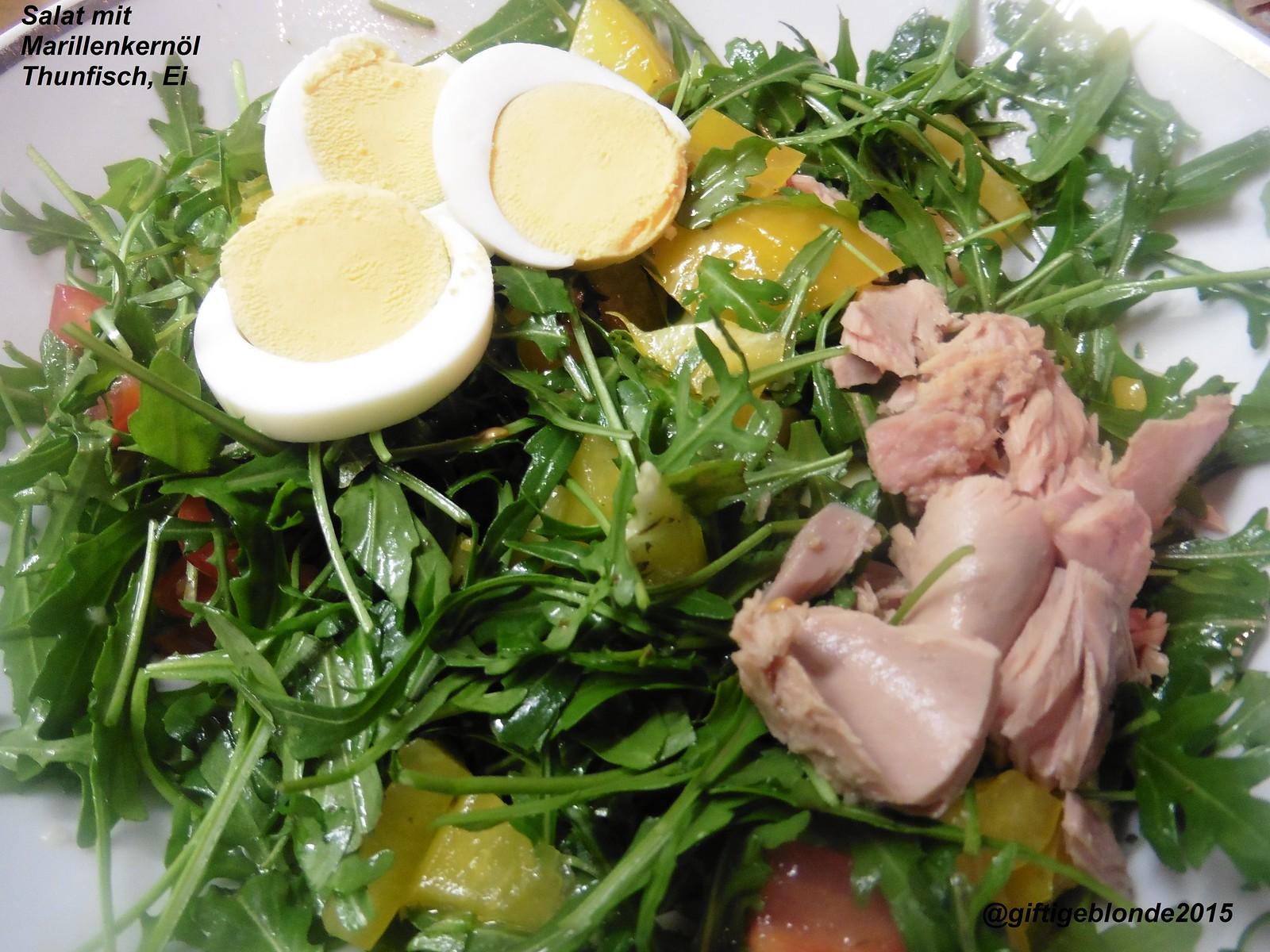 Salat mit Marillenkernöl