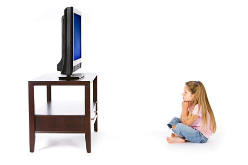 Tăng 30% nguy cơ cao huyết áp ở trẻ xem tivi trên 2h/ngày