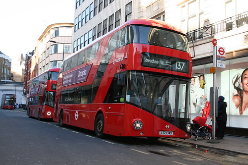 Arriva London LT349 on Route 137, Oxford Circus