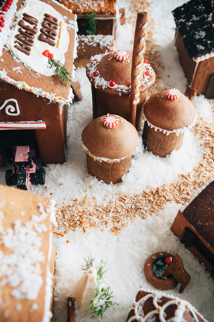 how to make a gingerbread house stick together