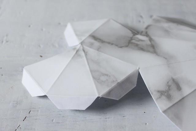 Make marble decorations www.apairandasparediy.com