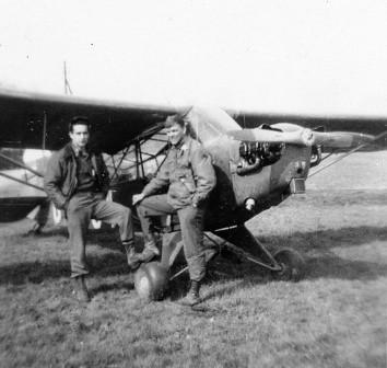 Duane Francies y William Martin derribaron un Fieseler Storch