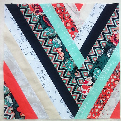 My first paper pieced block is done �� It will become a nice pillow, perfect for the Holidays gift- giving!!! If you will be making yours ( free pattern on my blog- link in profile) be sure to tag it with  #braidedmemories #block #quilt #quilta