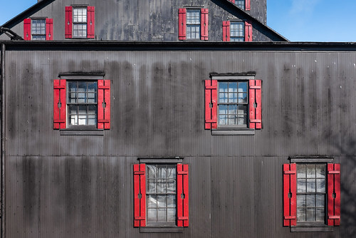 Take note of the shutters at the Makers Mark distillery in Loretto, Kentucky. 1/420 @ f8, ISO 400.