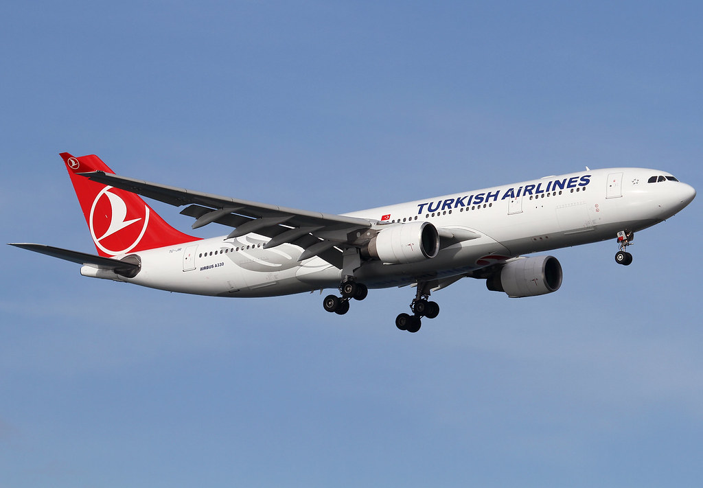 Short final for RWY05 inbound from Riyad RUH. Delivered 10/2008 to TAM