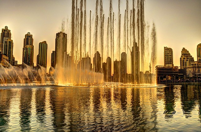 Burj Al Khalifa Dubai  Dancing fountain