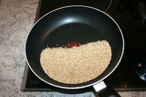 39 - Sesam in Pfanne anrösten / Brown sesame in pan