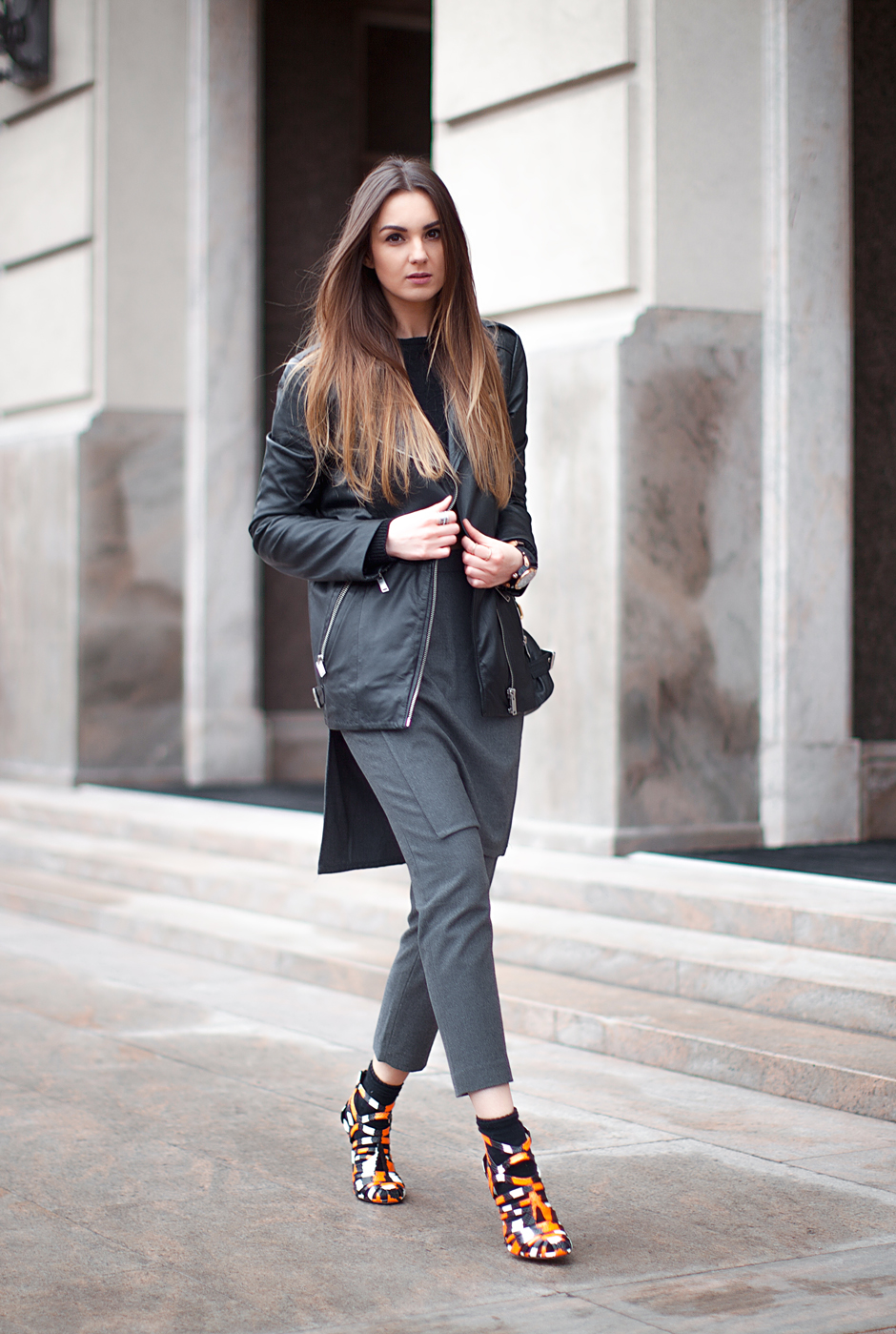 street-style-blogger-outfit-leather-jacket-skirt-over-pants