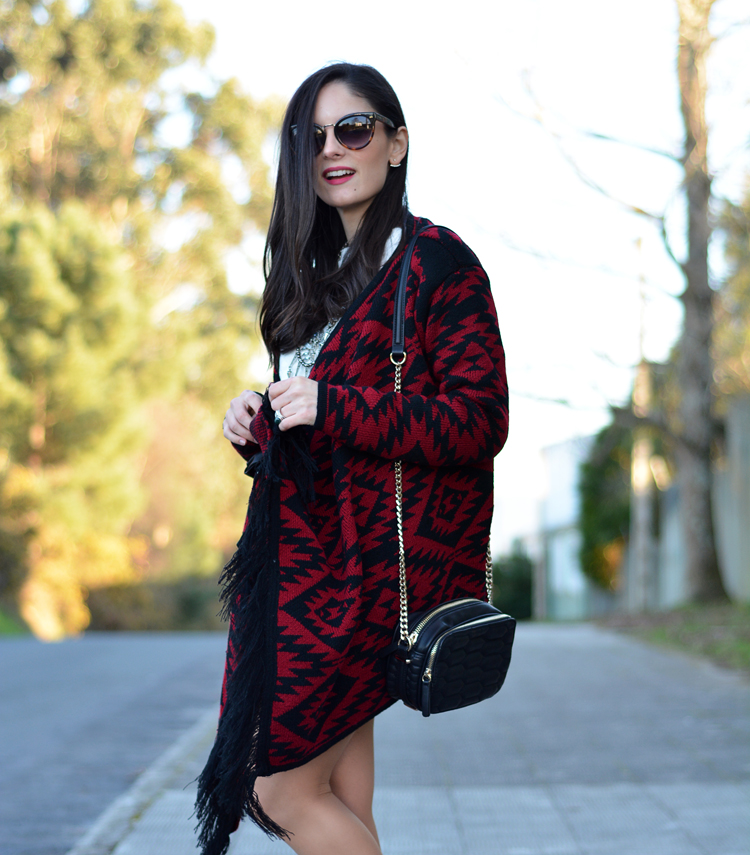 poncho_zara_pullandbear_boots_ootd_outfit_09