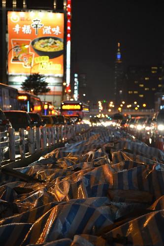 忠孝西路專用道:車流中的空白地帶