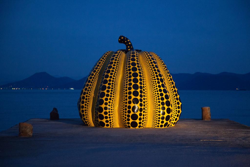 """""""Pumpkin"""" by Yayoi Kusama in Naoshima"""