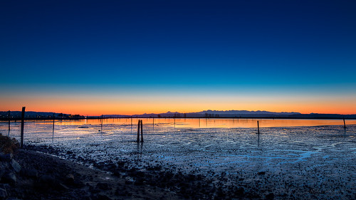 sunset nikon sunsetglow pacificnorthwest nik pilings bluehour lowtide washingtonstate everett snohomishcounty d610 portofeverett portgardner nikon1635mmf4vr ryderphotographic howardryder