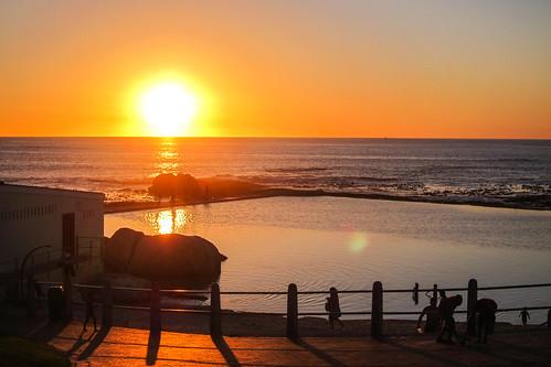 Coucher de soleil dans le de Camp Bay, le Cap