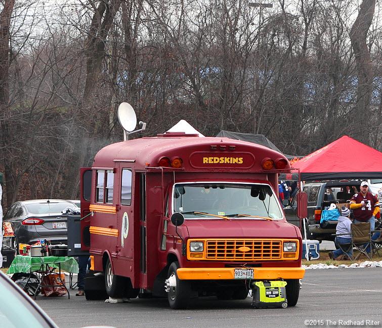 1 washington redskins red bus