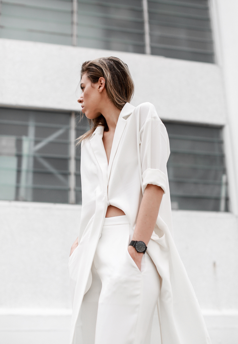 MODERN LEGACY fashion blog all white street style duster coat Larsson Jennings black metal watch (1 of 1)
