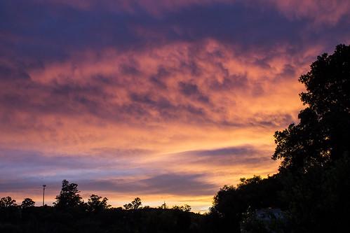 sunset sky orange sun inspiration sol nature yellow clouds sunrise canon landscape fire photo peace pôrdosol zen nuvens amanhecer miksang t3i mecelis