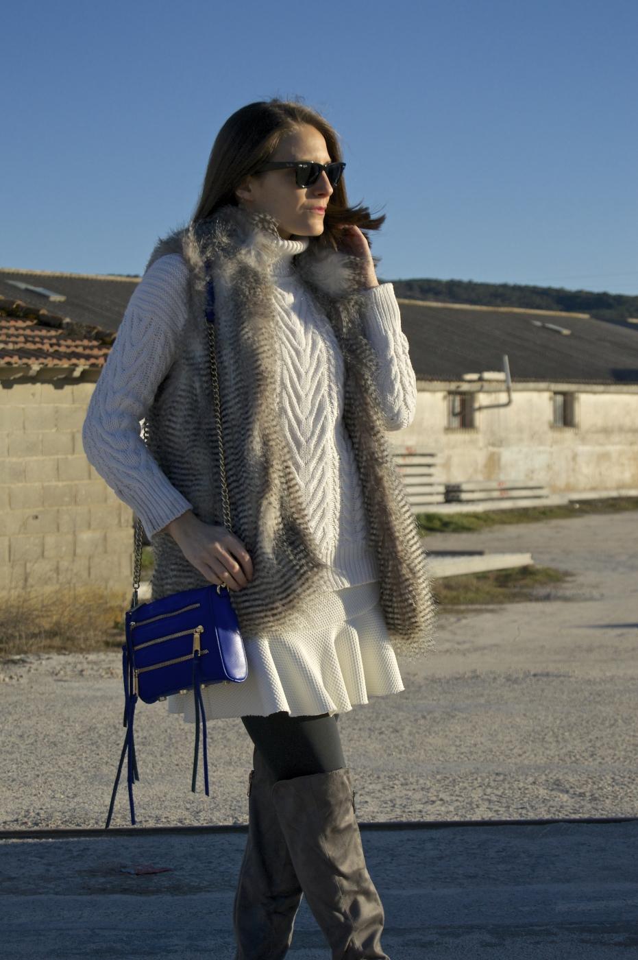 lara-vazquez-mad-lula-style-pop-of-blue-ootd-look-fashion