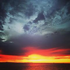 Another beautiful sunset #HuntingtonBeach #sunset #OC #WinterWonderland